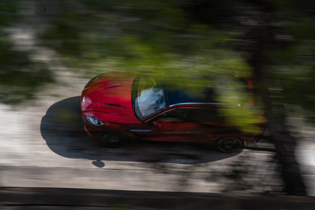 Aston-Martin-DBX_3-1024x683 Aston Martin DBX, prezentare in China si in LA!
