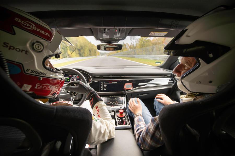 Audi-RSQ8_5 Audi RSQ8, noul rege SUV pe Nurburgring
