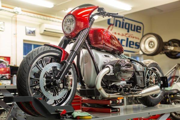 BMW-Motorrad-R-18-12 BMW Motorrad R 18 si R 18 /2, un motor, doua caractere