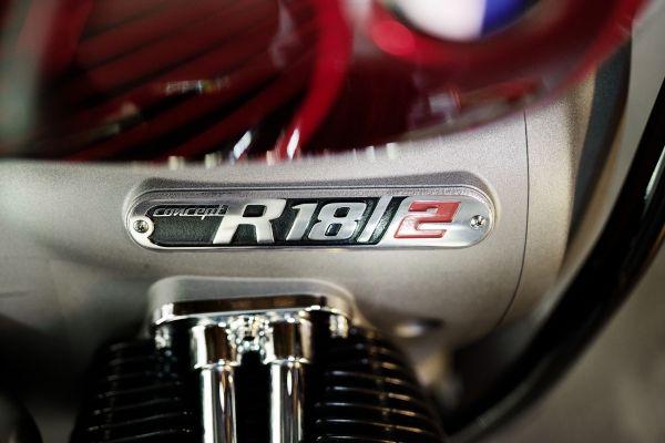 BMW-Motorrad-R-18-6 BMW Motorrad R 18 si R 18 /2, un motor, doua caractere
