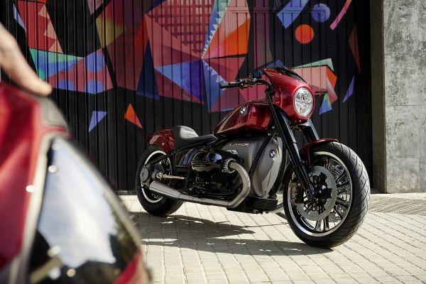 BMW-Motorrad-R-18-7 BMW Motorrad R 18 si R 18 /2, un motor, doua caractere
