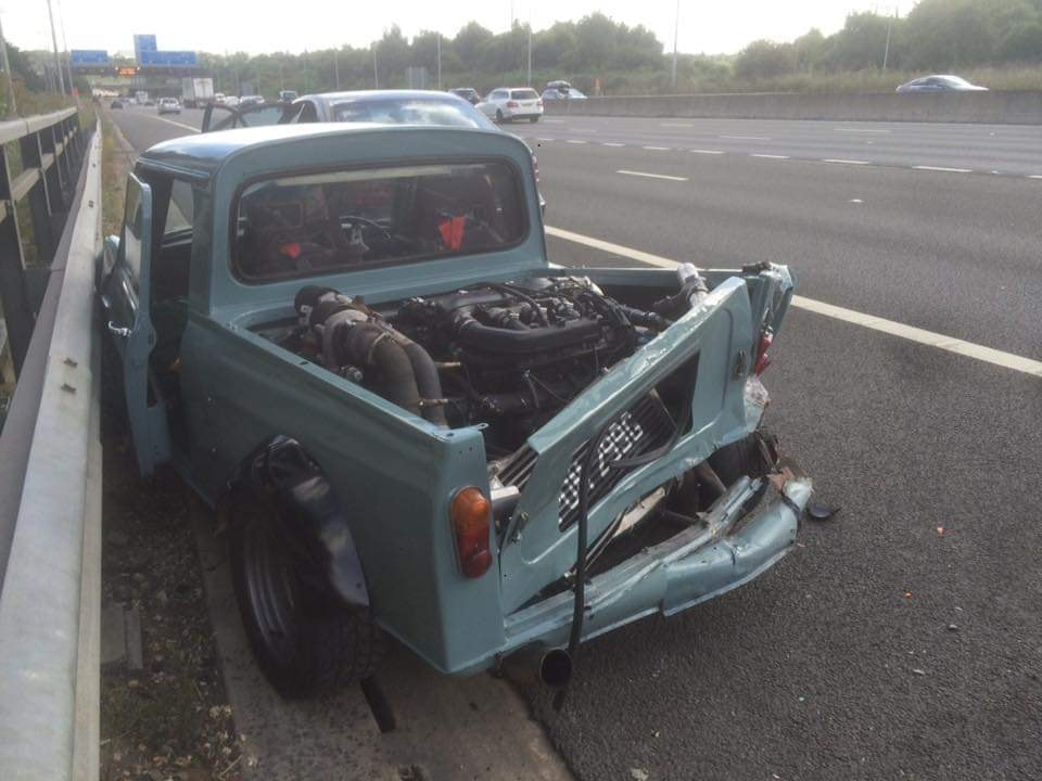 MINI-pick-up-1 MINI pick up, retro model cu steroizi