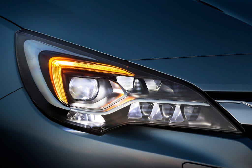 Opel-3-1024x683 Opel Astra si Corsa au ajuns in Romania!