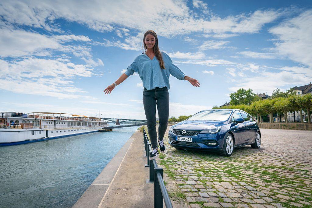 Opel-7-1024x683 Opel Astra si Corsa au ajuns in Romania!