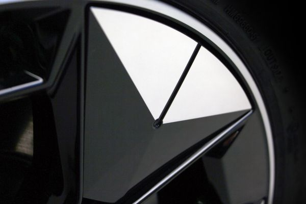 P90381359_lowRes_novel-aerodynamik-wh Jante aerodinamice, solutii noi de la BMW