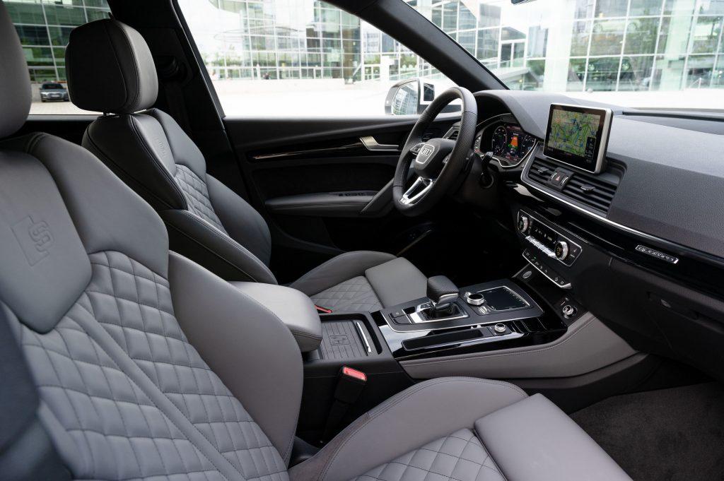 Q5-TFSI-e-interior-1024x681 Audi lanseaza in Romania Q5 TFSI e quattro