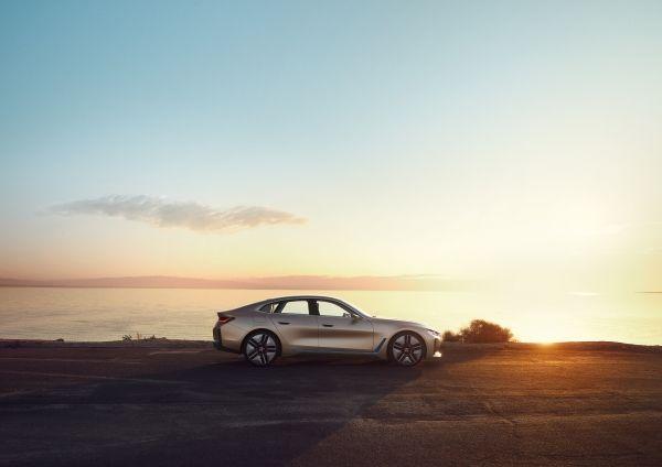 P90384975_lowRes_bmw-concept-i4-02-20 BMW Concept i4 ne vorbeste despre The Power of Choice