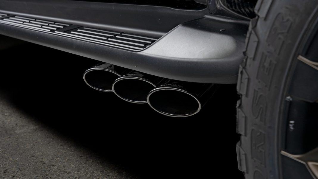"Toyota-Hilux-Black-Bison_2-1068x601 Toyota Hilux primeste ""tratamentul"" Black Bison"
