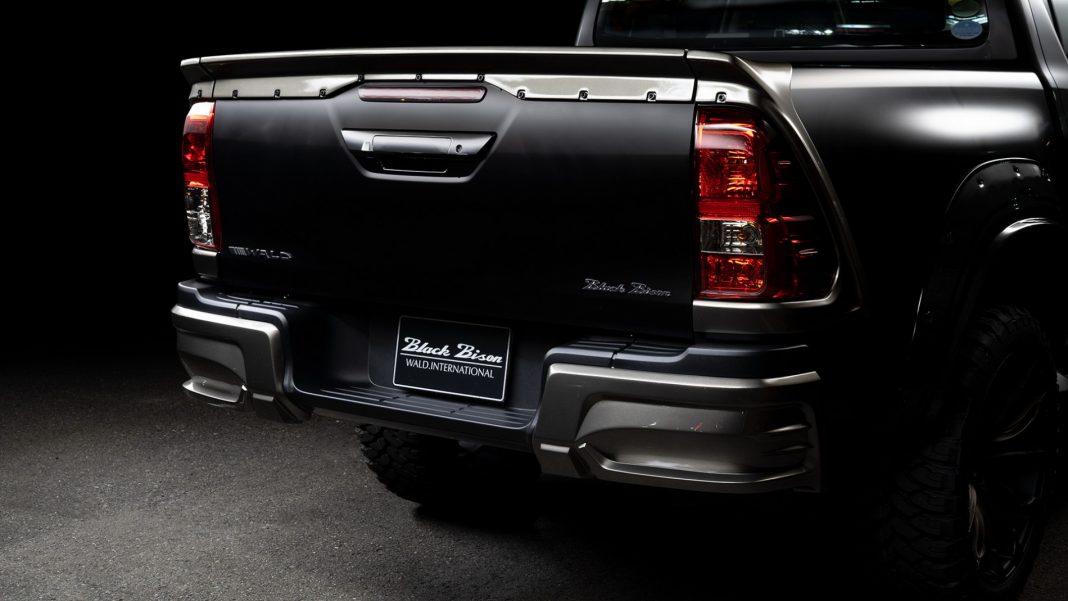 "Toyota-Hilux-Black-Bison_4-1068x601 Toyota Hilux primeste ""tratamentul"" Black Bison"