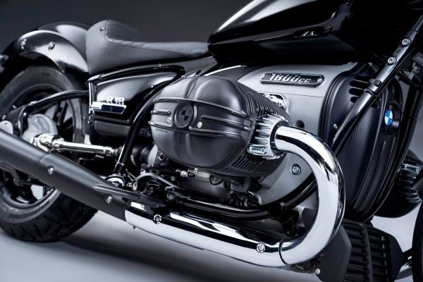 P90386365_lowRes_the-bmw-r-18-04-2020 BMW R 18: cruiser suprem cu radacini in istorie