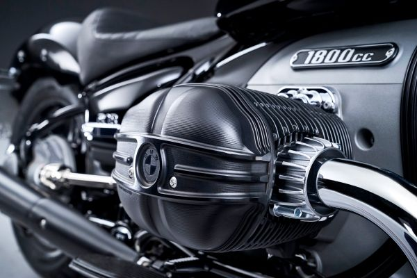 P90386366_lowRes_the-bmw-r-18-04-2020 BMW R 18: cruiser suprem cu radacini in istorie