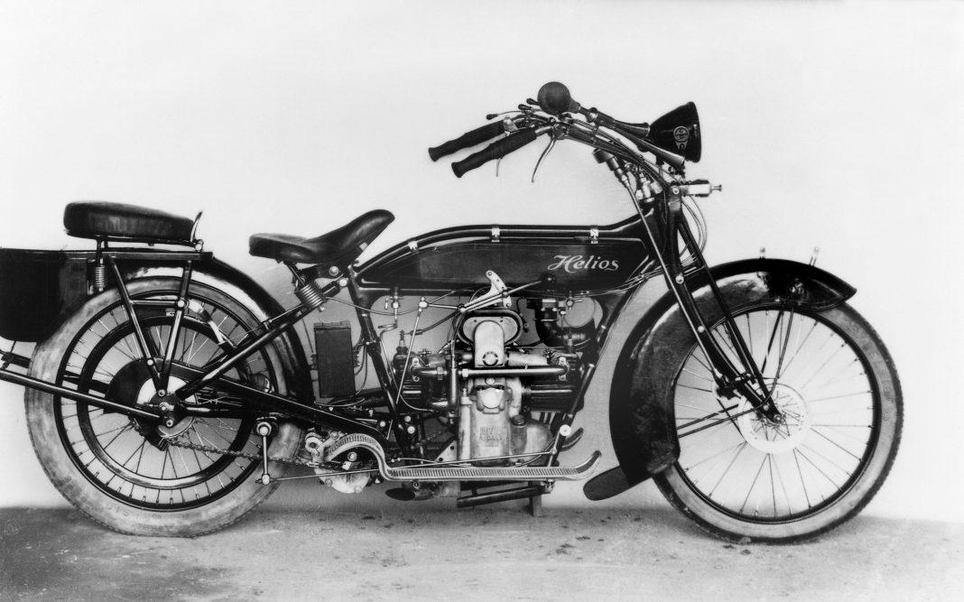 istorie-9-1068x667 Istorie: 100 de ani de motoare boxer BMW