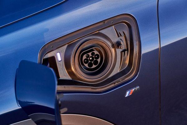 BMW-X2-xDrive25e-7 BMW X2 xDrive25e, PHEV, si update pentru BMW X2
