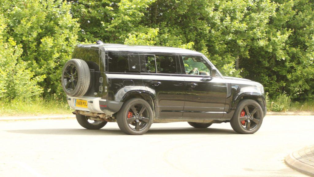 SUV-Pickup-Defender-SVR_2-1024x577 SUV & Pickup news: Se incing motoarele