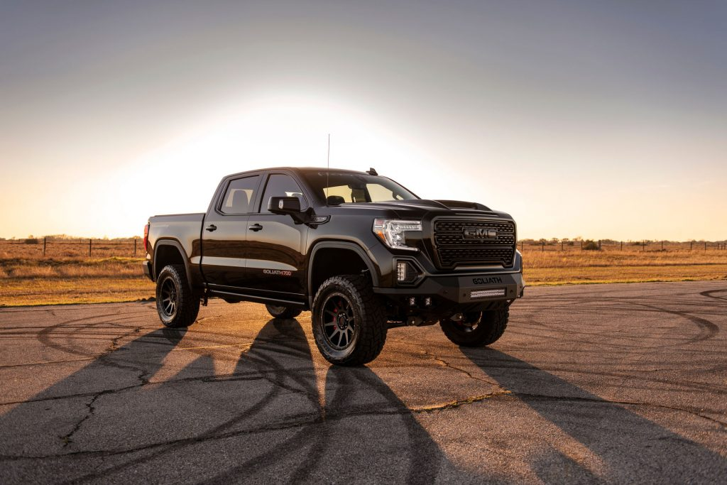 SUV-Truck-Hennessey-GMC-Sierra-Chevrolet-Silverado-1024x683 SUV & Pickup News: Accent pe modele pickup