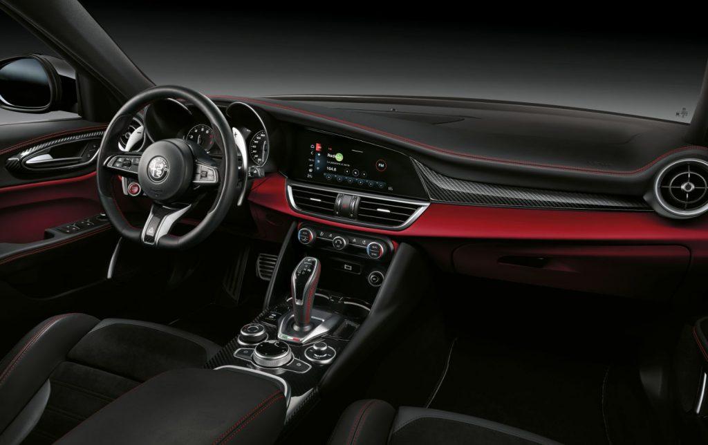 Stelvio-Quadrifoglio-2020-interior-1024x644 Stelvio Quadrifoglio facelift, scurta radiografie