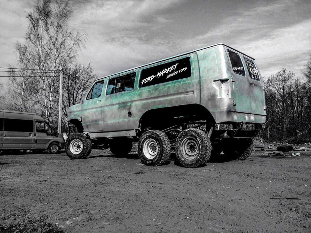 Ford-RaptorBus-6x6_3-1068x801 Ford RaptorBus 6x6, idee nastrusnica din Rusia
