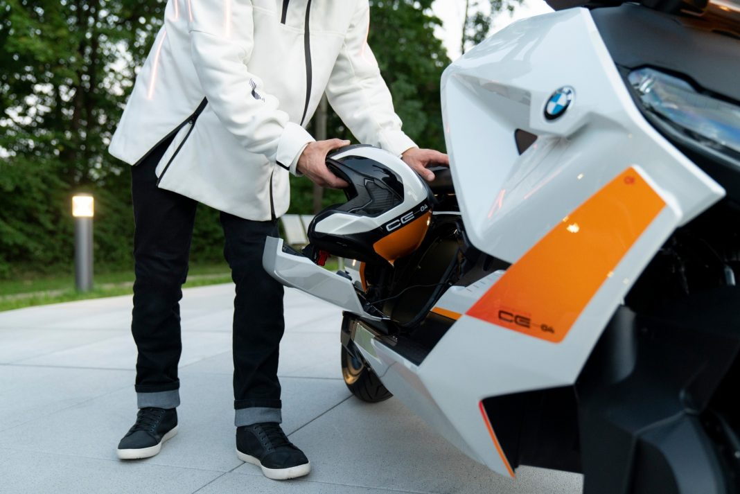 BMW-Motorrad-Definition-CE-04-6-1068x713 BMW Motorrad Definition CE 04: Mobilitate urbană cu stil