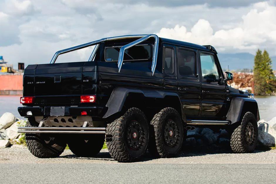 Mercedes-G63-AMG-6x6_3 Mercedes-Benz G63 AMG 6×6, investiție în pandemie