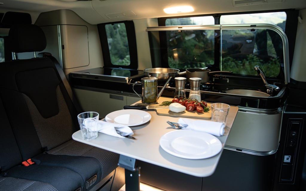 Mercedes-Benz-Marco-Polo-–-Interior Autorulota în 2021 în viziunea Mercedes-Benz Vans