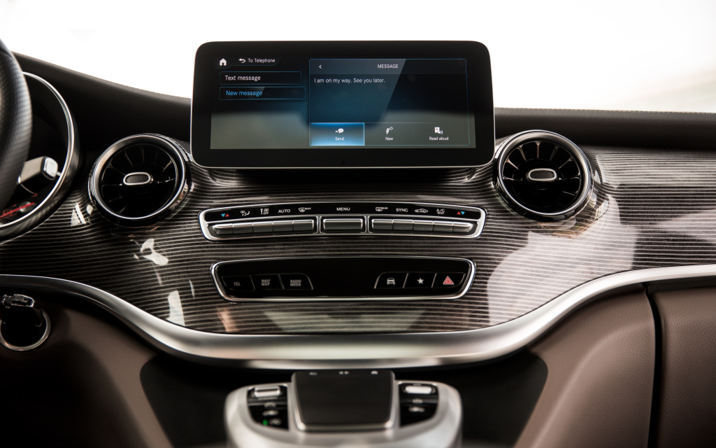 Mercedes-Benz-V-Class-–-Interior Autorulota în 2021 în viziunea Mercedes-Benz Vans