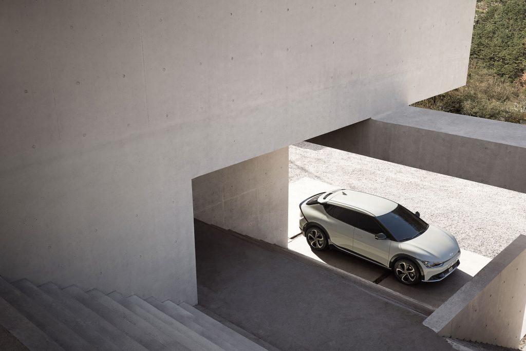 Kia-EV-6-exterior-2-1024x683 Kia EV 6, filosofia de design a primului EV
