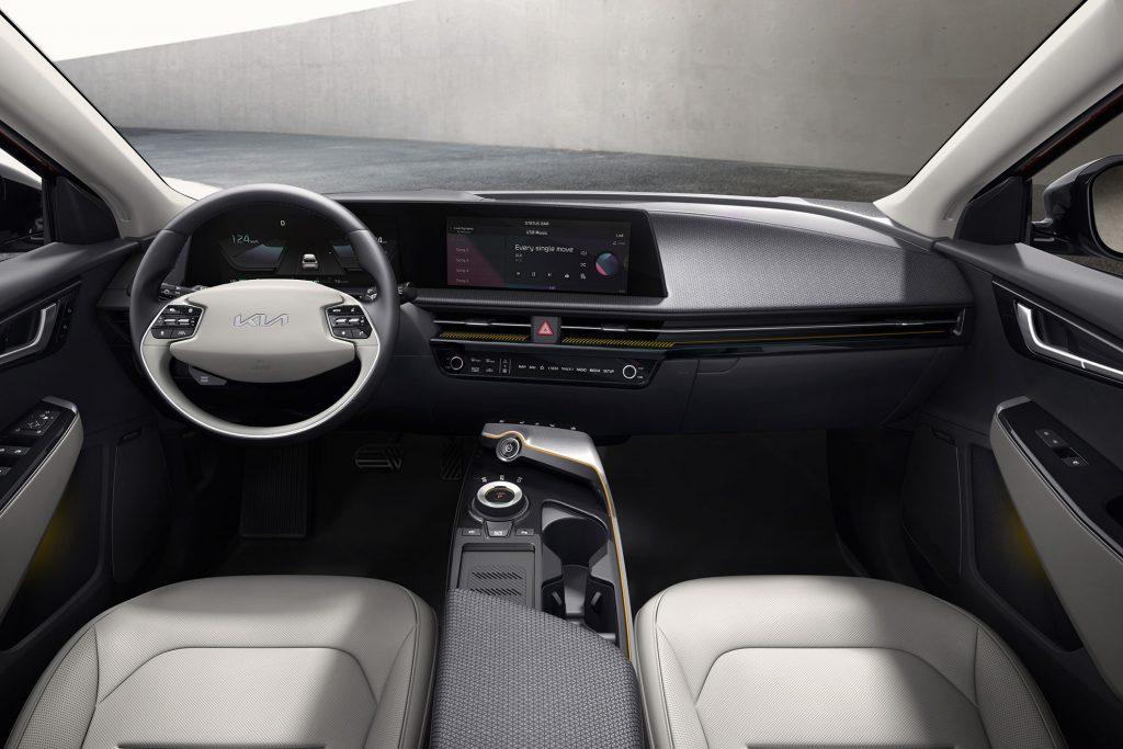 Kia-EV-6-interior-1-1024x683 Kia EV 6, filosofia de design a primului EV
