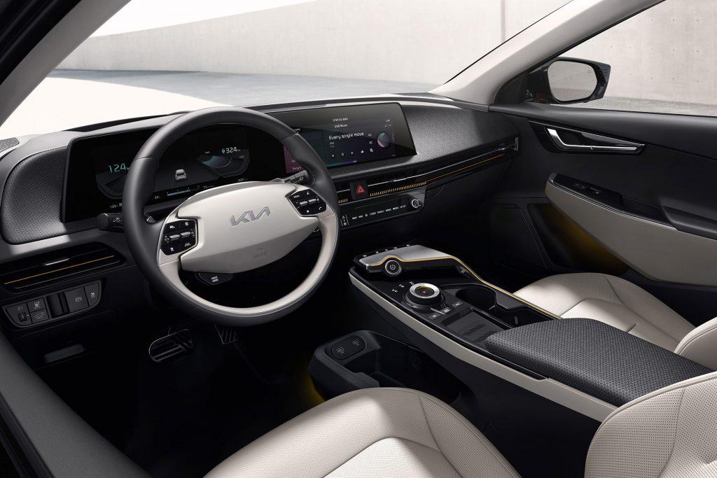 Kia-EV-6-interior-2-1024x683 Kia EV 6, filosofia de design a primului EV